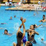 9 juegos en la piscina para niños