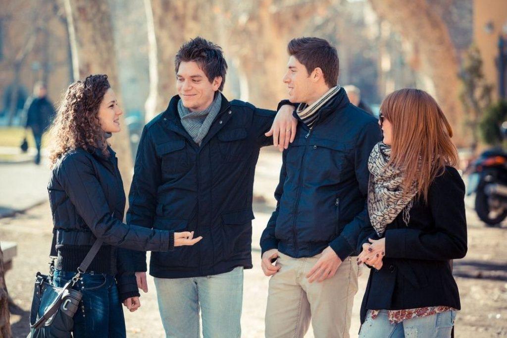 Cómo Conocer Gente Nueva Y Hacer Amigos En La Universidad