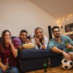 Cómo viajar durmiendo en sofás de amigos